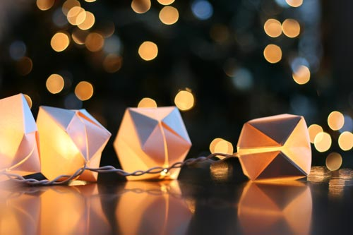 Papercube_stringlights1b